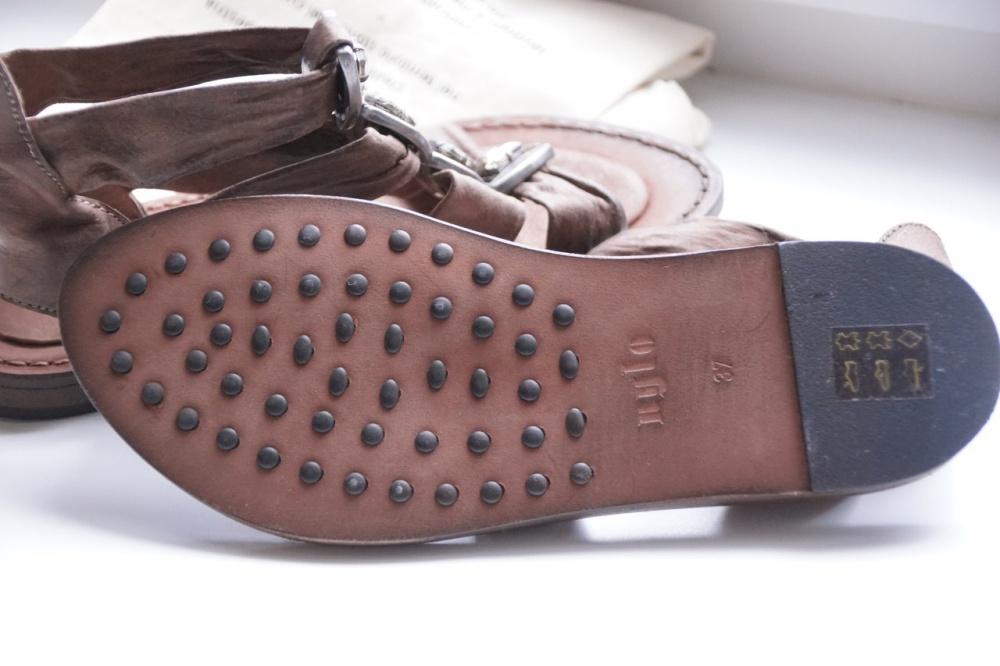 Сандалии Nylo 36 размер