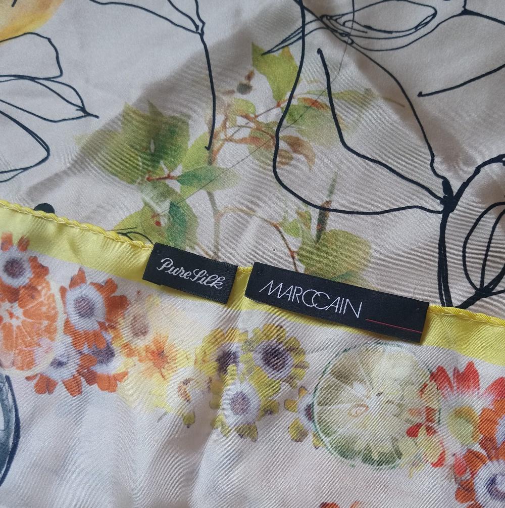 Сет - два шелковых платка: Marccain и Venera