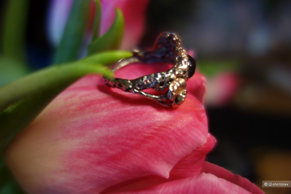 Кольцо серебряное с изумрудами и агатом, размер 18.5