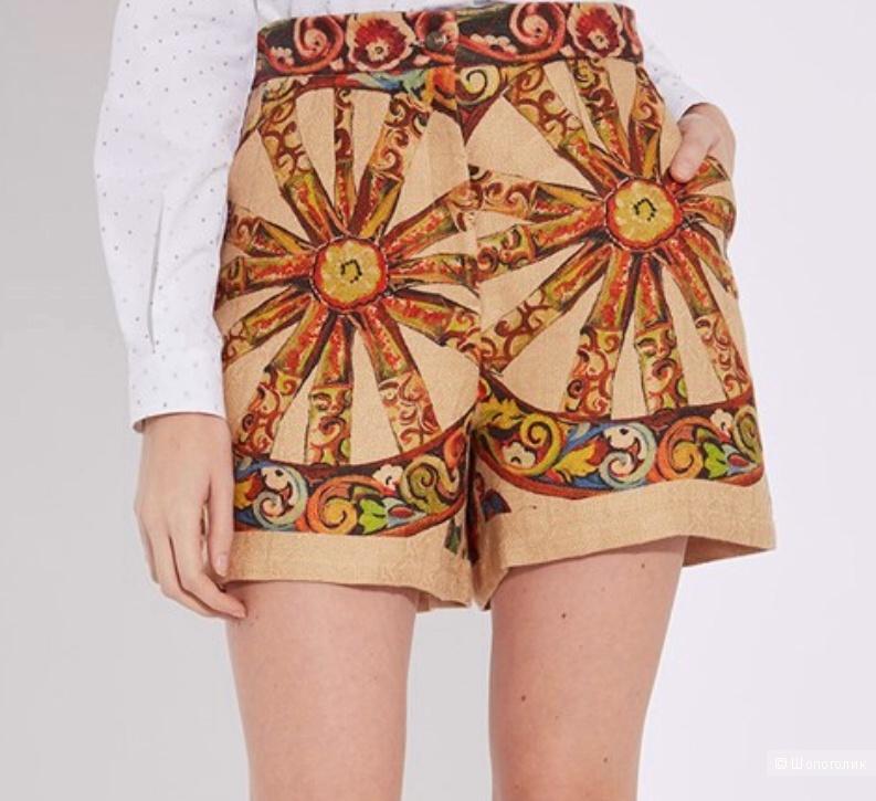 Шорты Dolce Gabbana. Размер 40it.(42 ru)