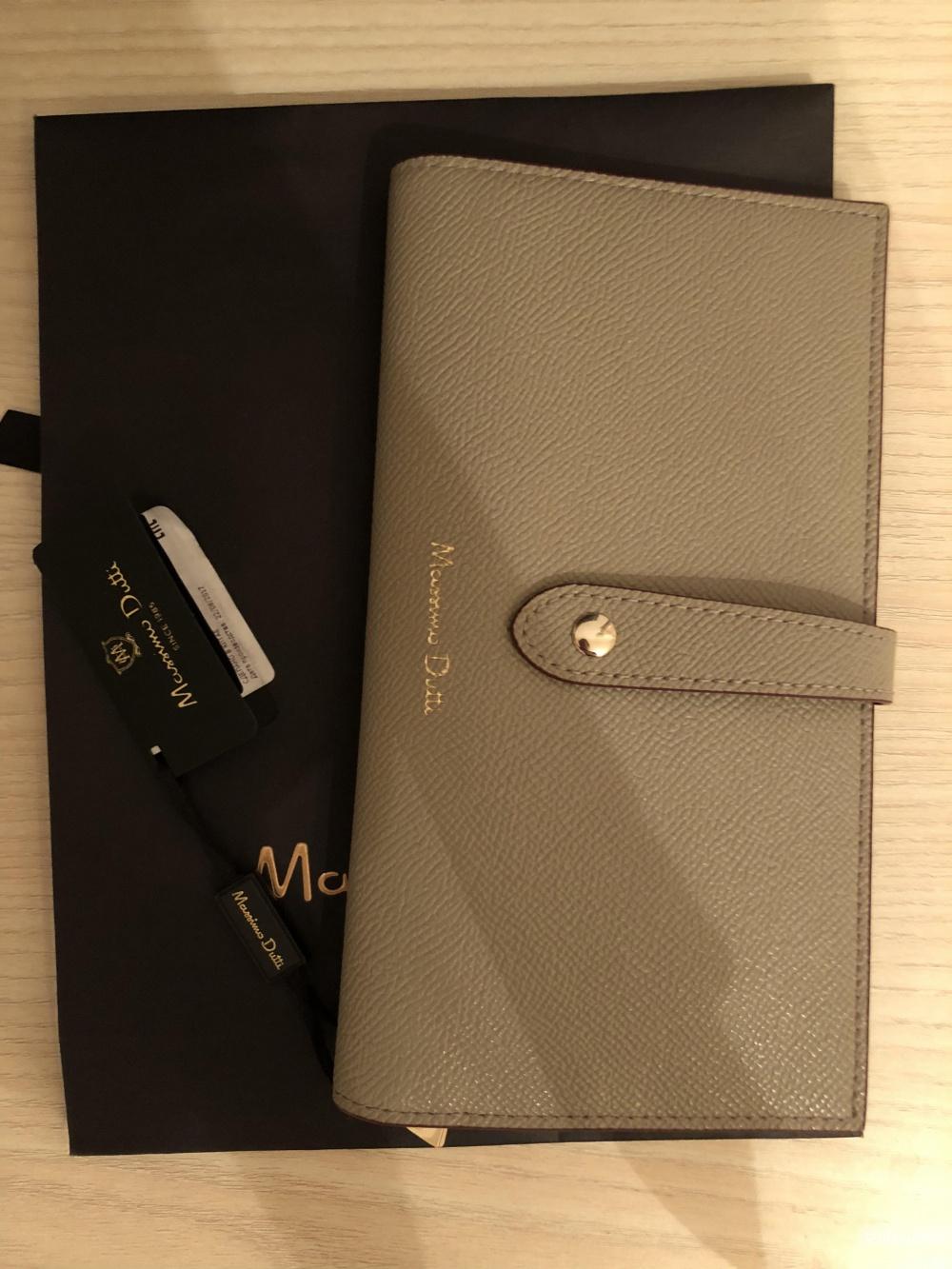 Кошелёк-бумажник Massimo Dutti.