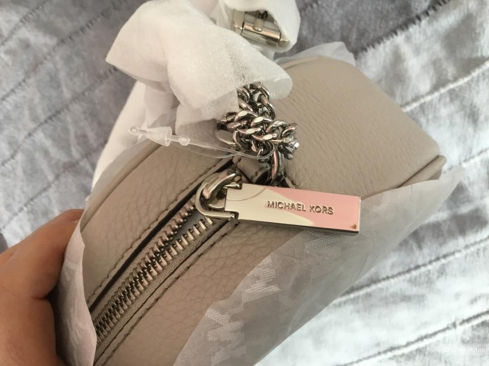 Сумочка-кроссбоди от Michael Kors, модель Ginny
