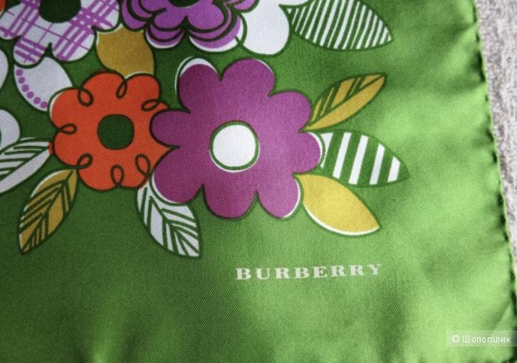 Платок каре Burberry