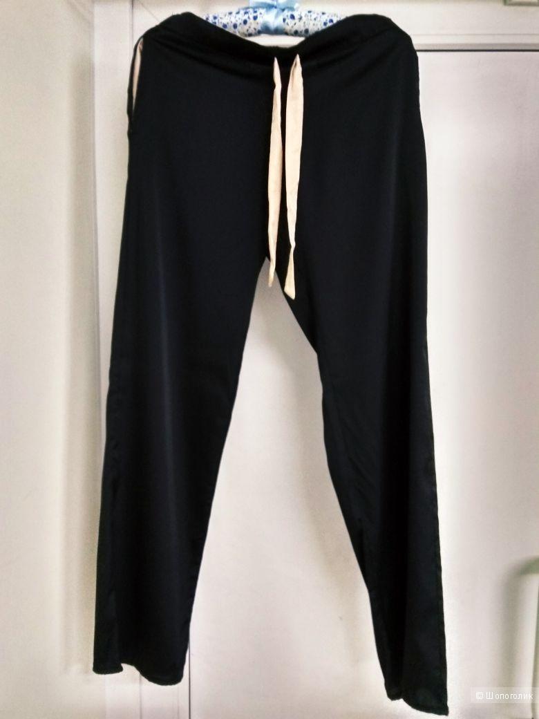 Пижама топик и штанишки . Размеры S.M.