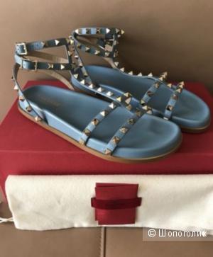 Valentino сандалии 39