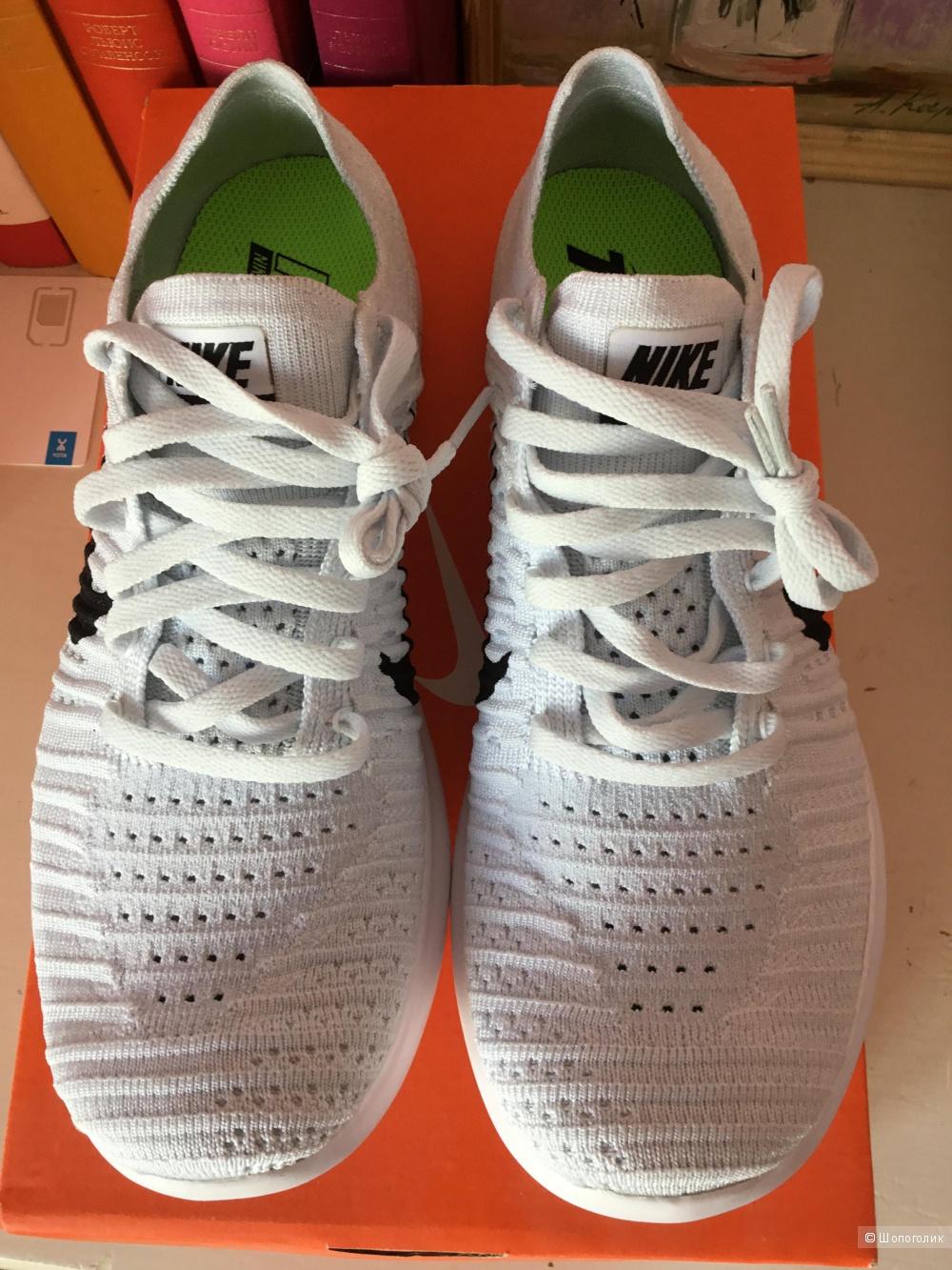 Кроссовки Nike, размер  8,5US