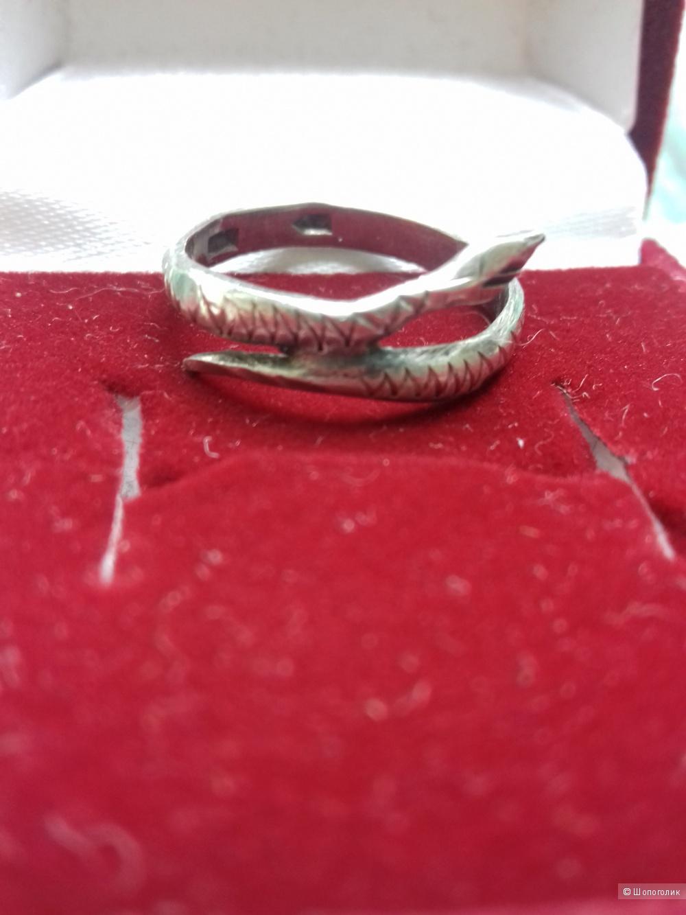 Серебряное кольцо Змейка