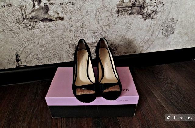 "Замшевые туфли 37 размера ""Carlo Pazolini"""