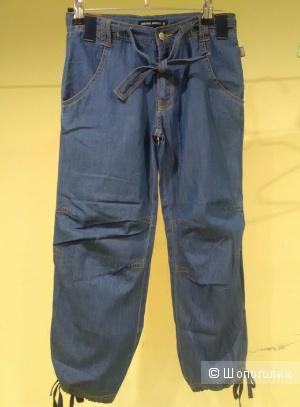 Джинсовые брюки . 126 рост.Marines.