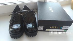 Ботинки LIU •JO SHOES размер 41, по стельке 26 см.