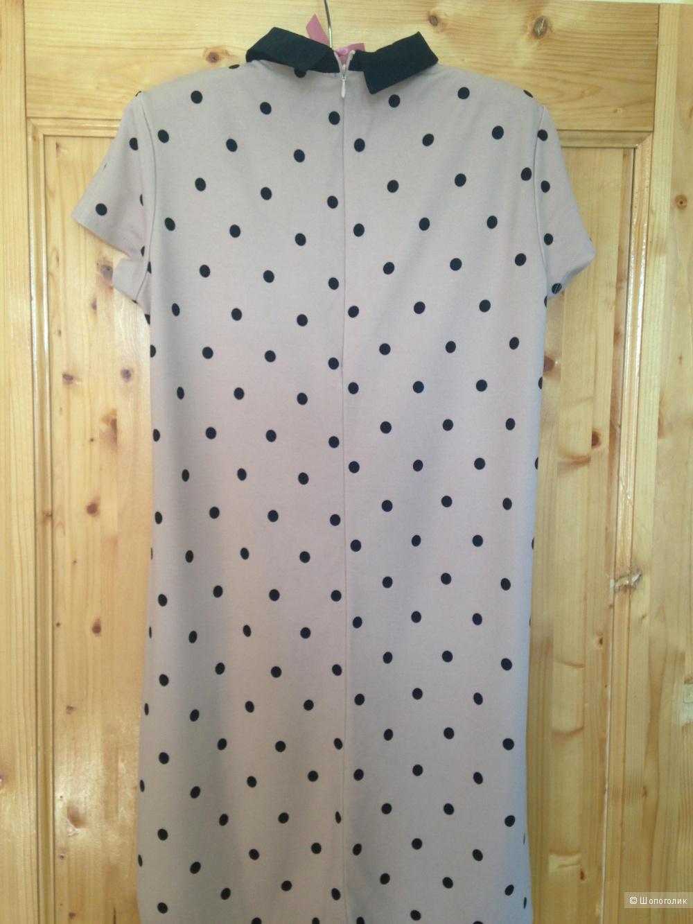 Платье Reserved в размере M