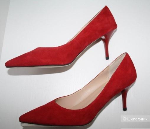 Замшевые туфли JIMMY CHOO 39 размера