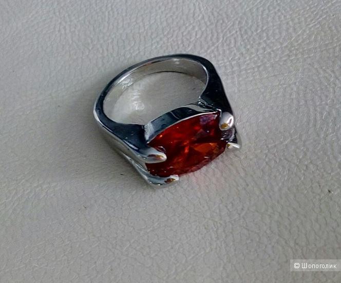 Кольцо с красным кристаллом, 17-17,5