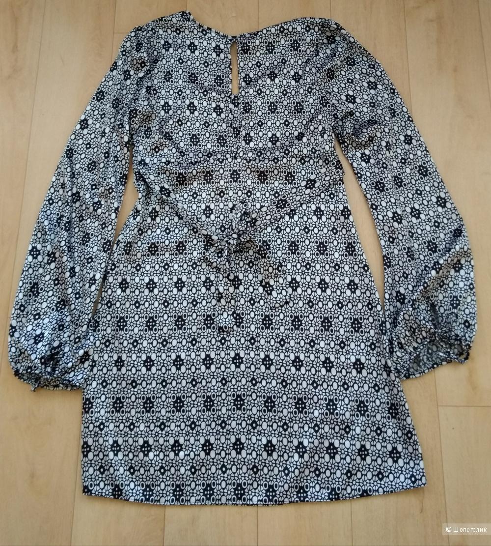 Платье Nikka 42
