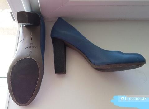Кожаные туфли ALBA 39  размер