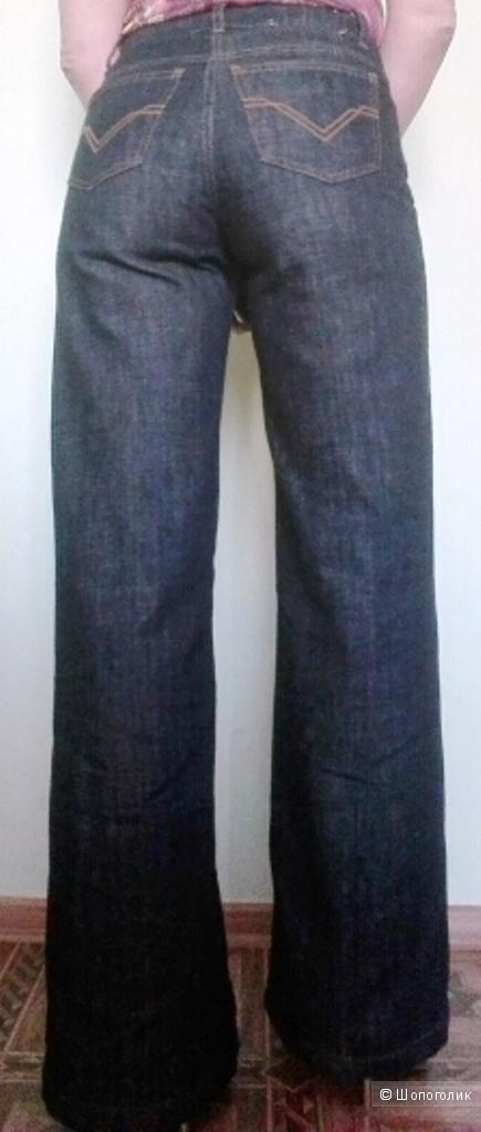 Джинсы-кюлоты от Valentino, размер 46 российский