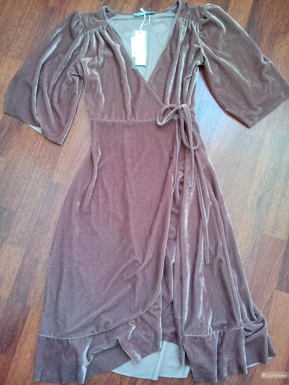 Платье RINASGIMENTO размер XS.