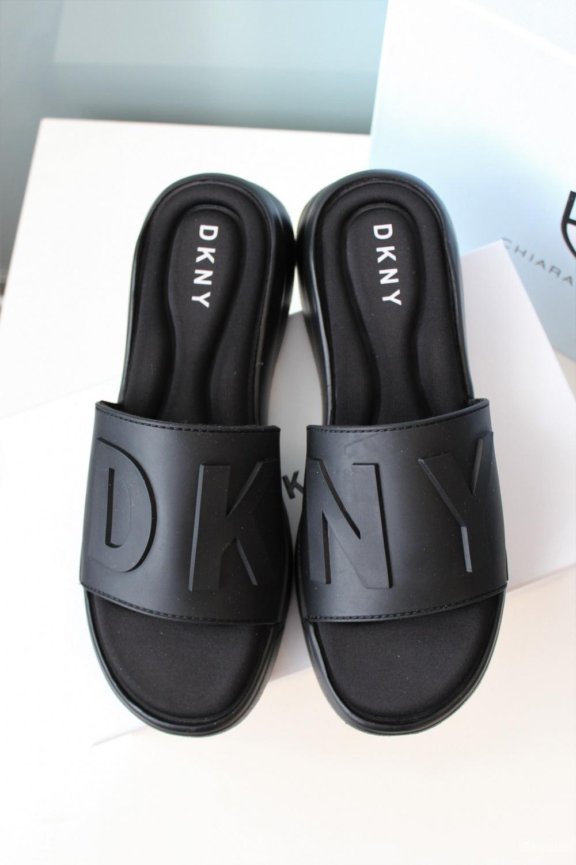 Шлепки DKNY размер 38