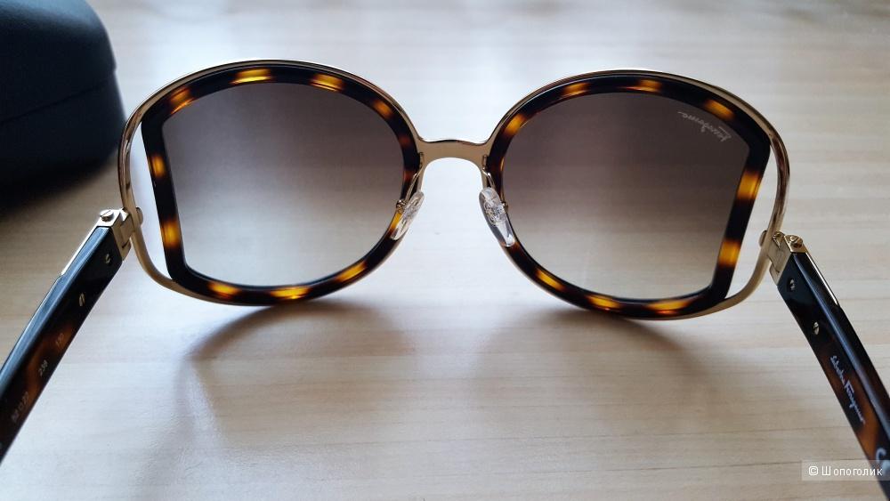 Cолнцезащитные очки Salvatore Ferragamo