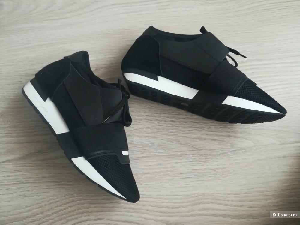 Кроссовки Balenciaga 40-го размера