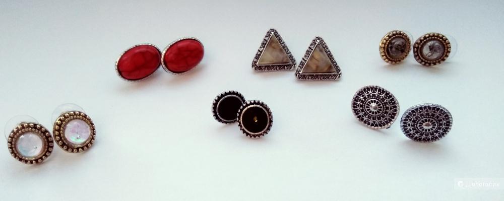 Серьги-пуссеты с эмалью