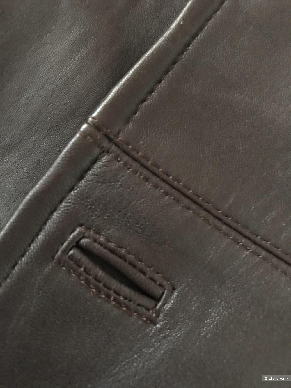 Кожаный пиджак Burberry, размер 48.