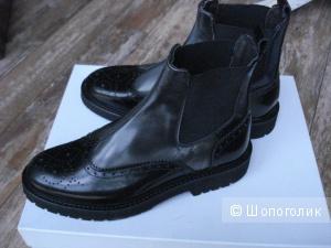 Ботинки Baldinini 37 размер