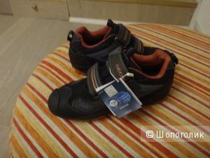 Утепленные кроссовки GEOX 35 размер