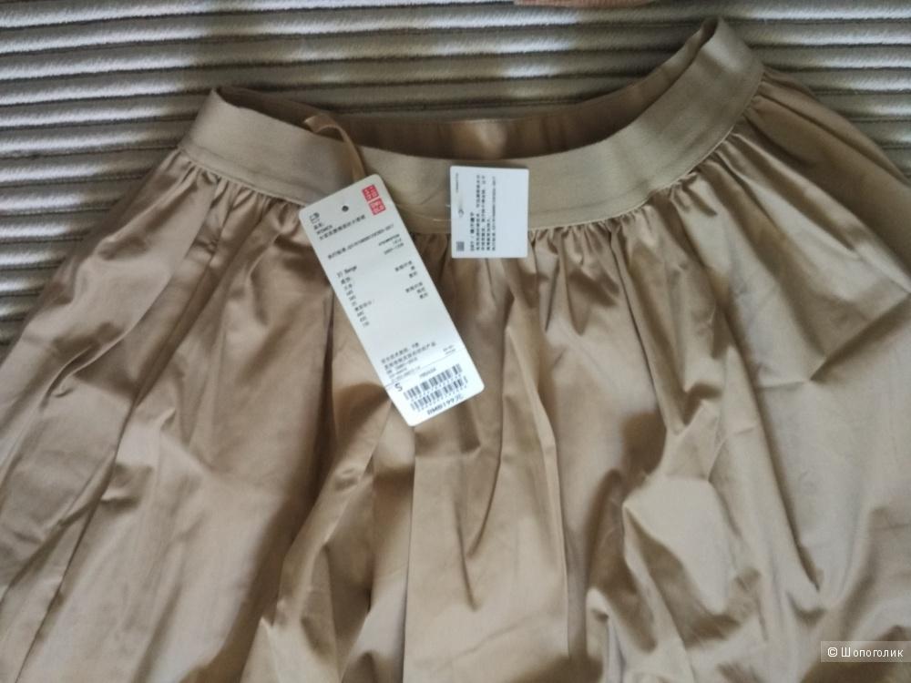 Свитер и юбка, Burberry и Uniqlo, размер S