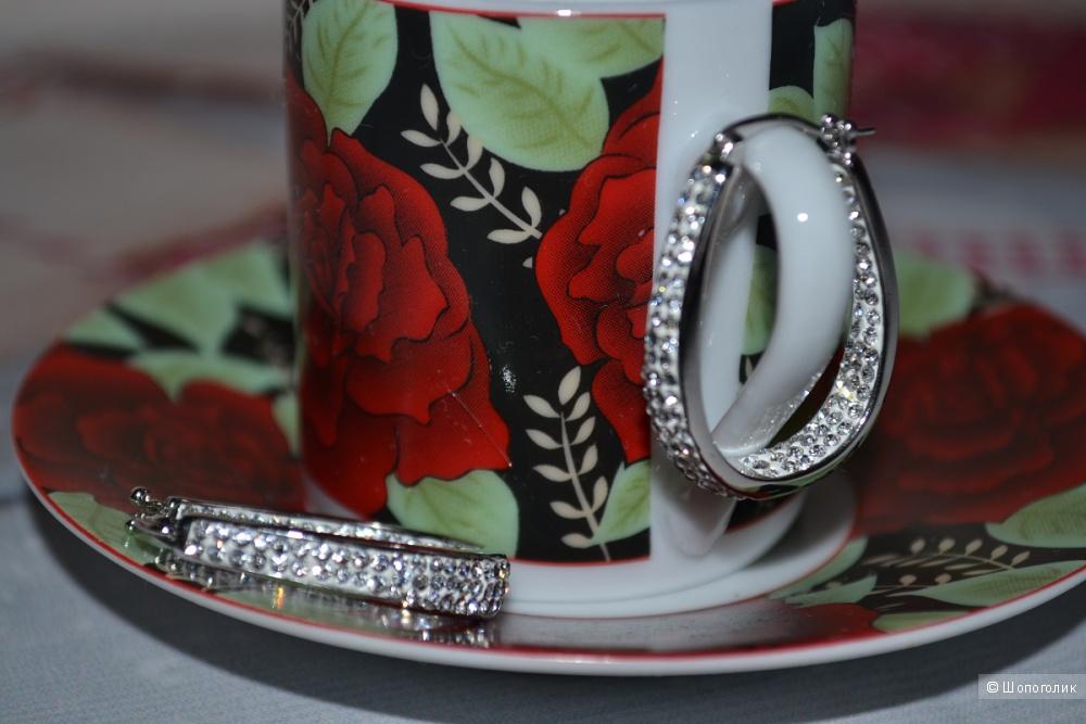 Серьги-кольца с кристаллами Swarovski®