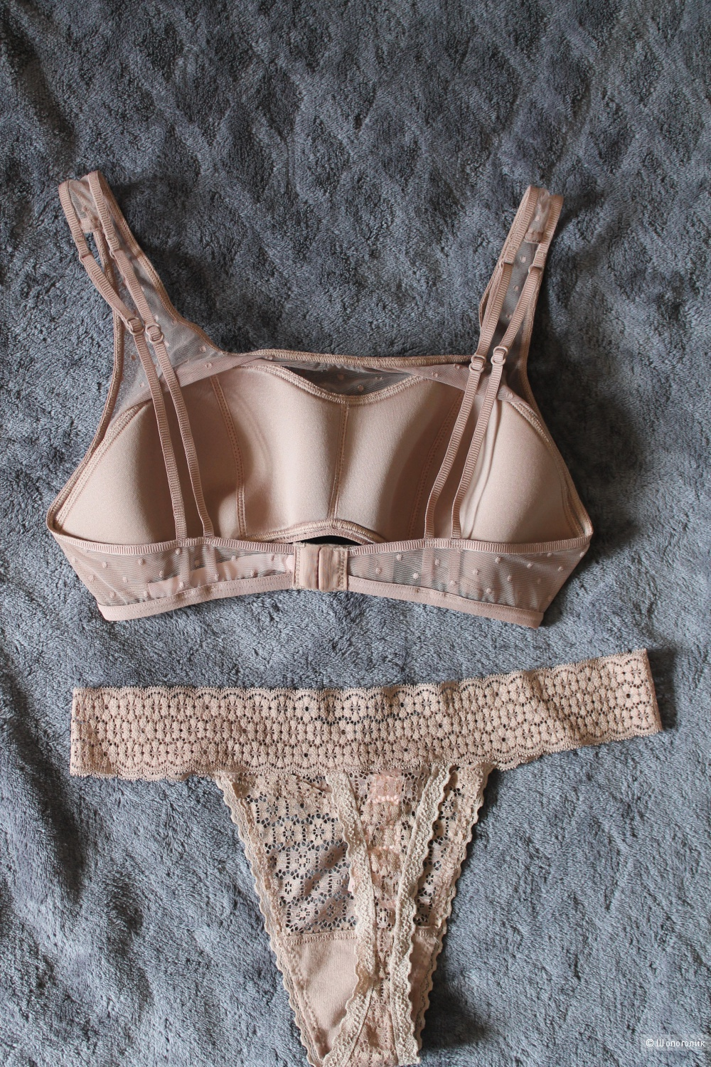 Victoria's Secret комплект Dot Mesh & Lace Scoop Bralette + Circle Lace Thong Panty верх S, низ М