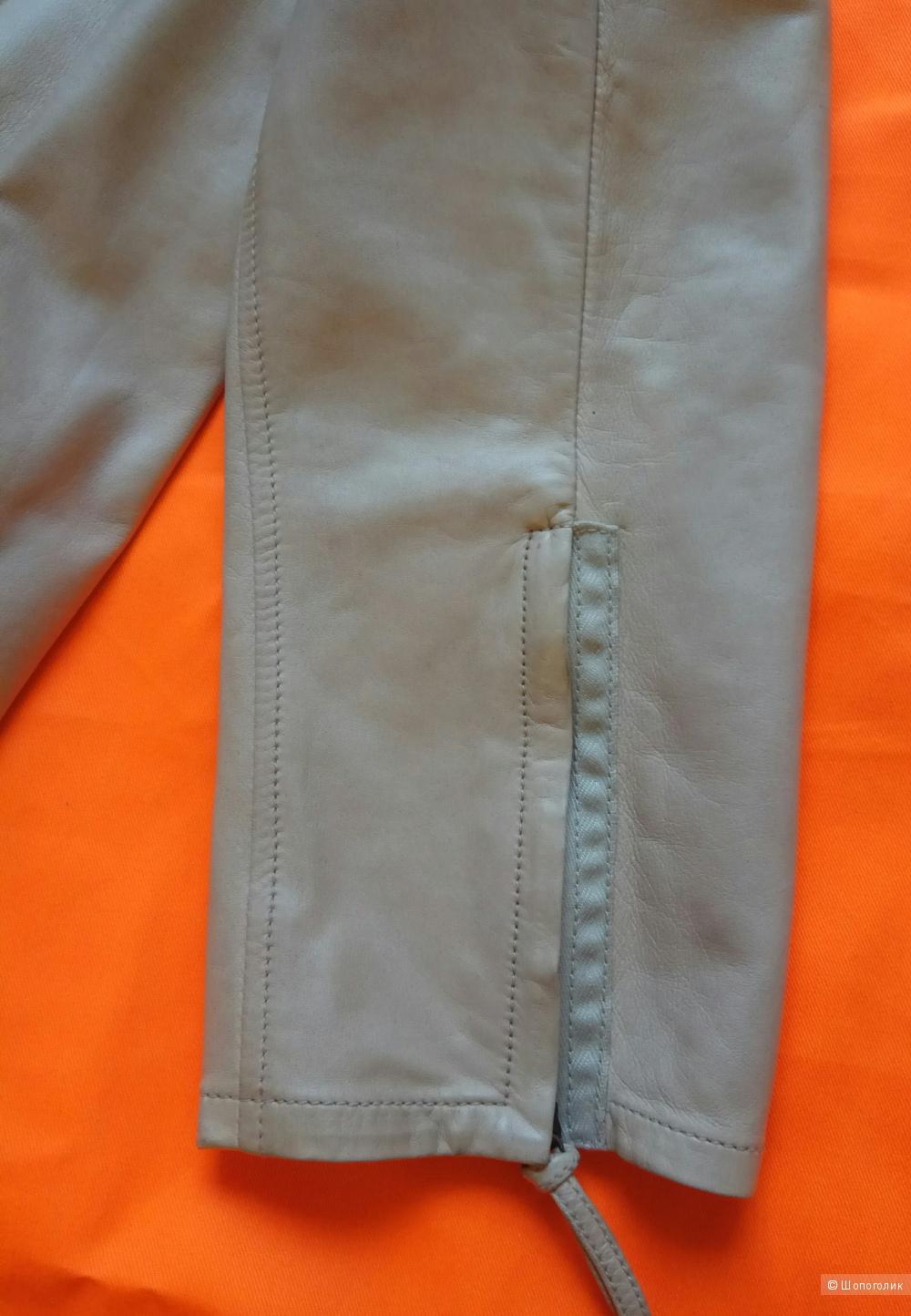 Valentino,кожаные брюки,44-46