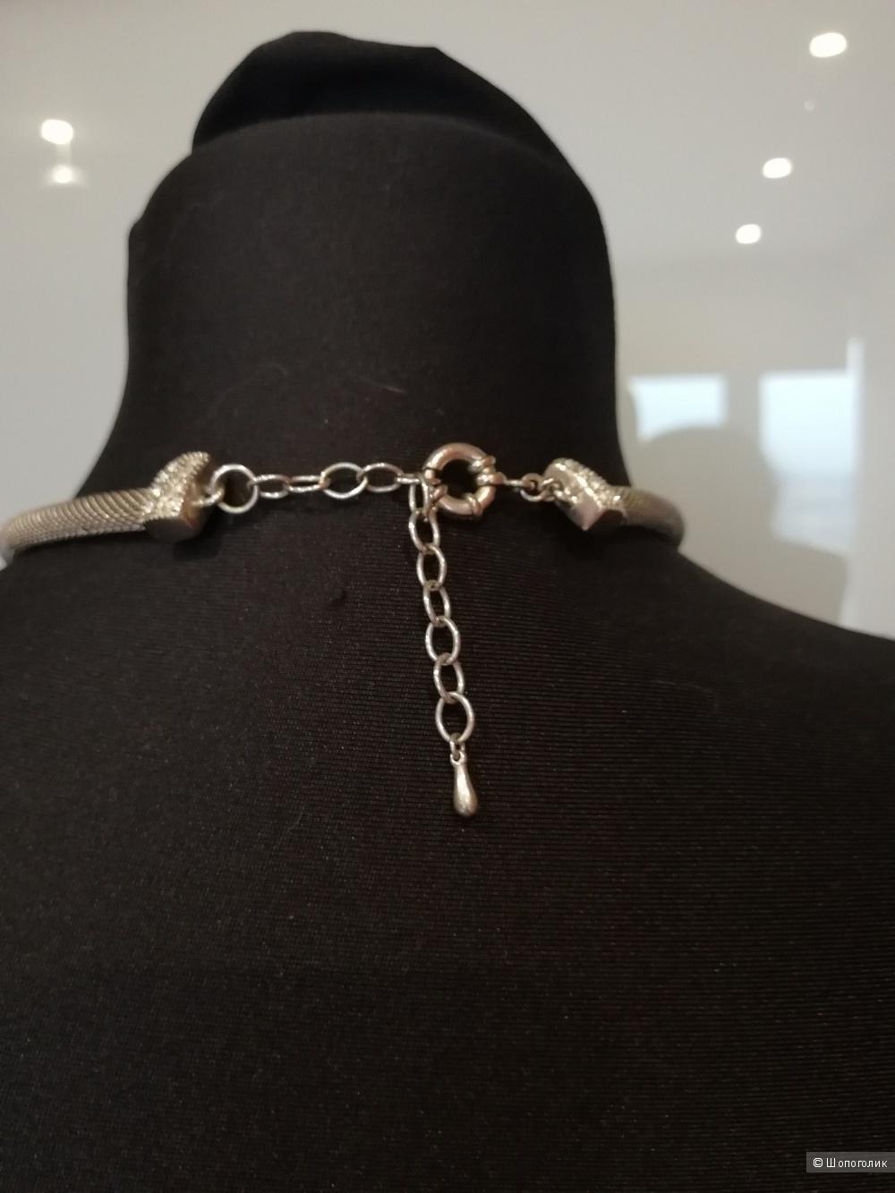 Серебристое ожерелье
