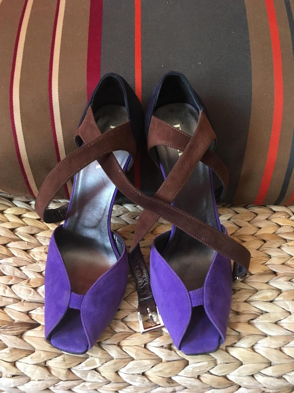 Замшевые  туфли PRADA, размер 37