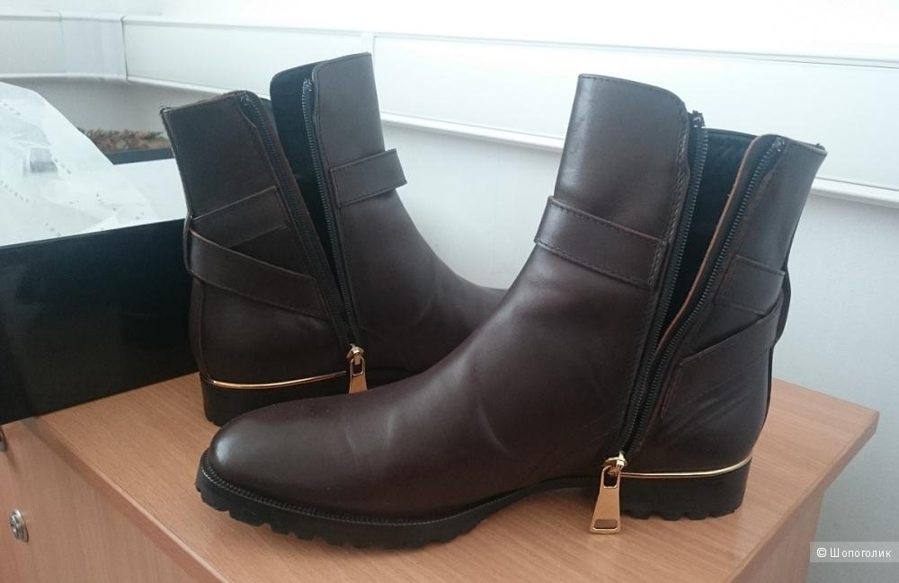 Ботинки ROBERTO FESTA 37,5 размер.