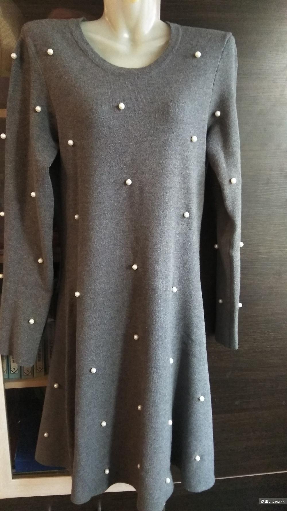Трикотажное платье Zara, размер L