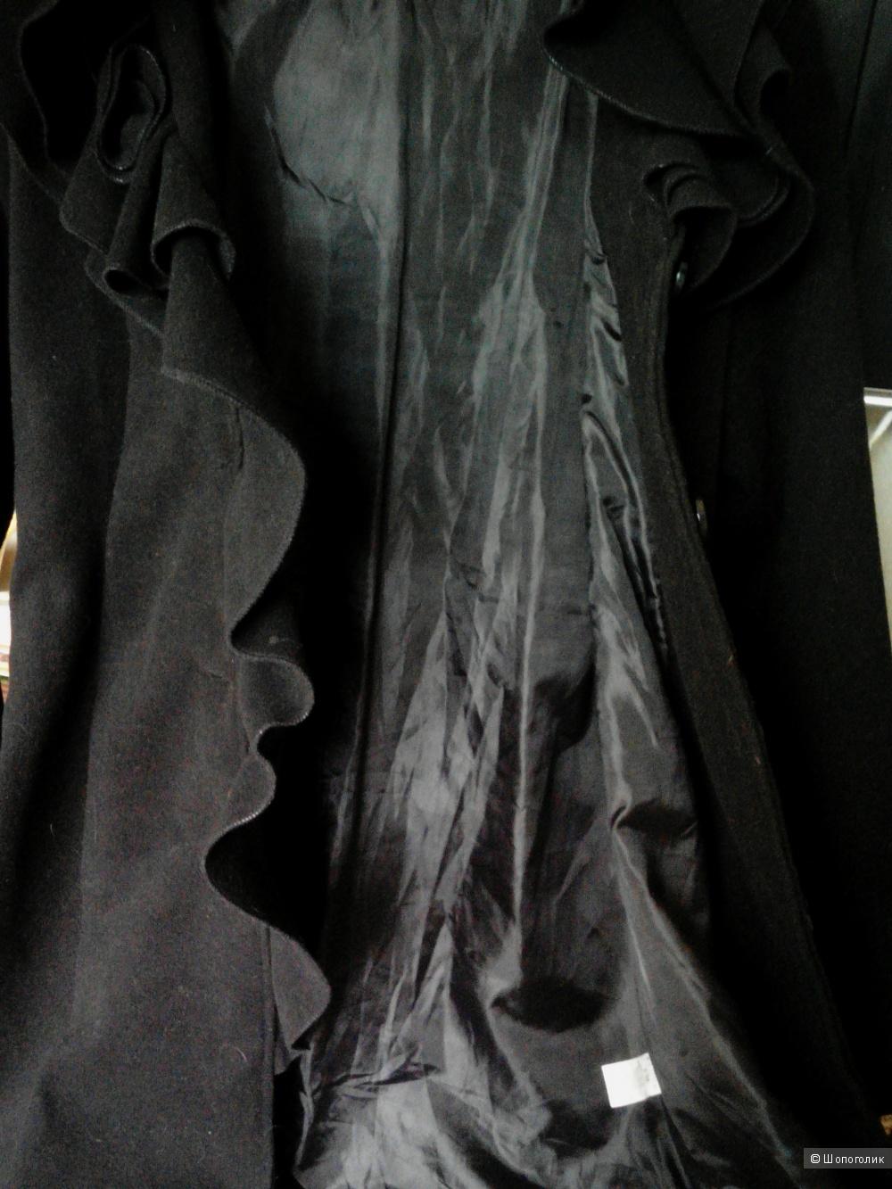 Пальто. 46-48 размер.