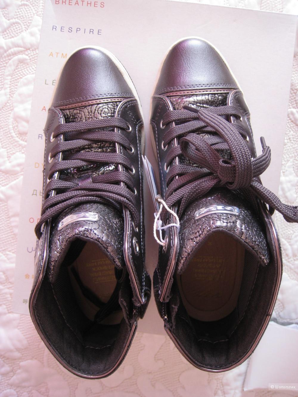 Кроссовки для девочки, на 35 р-р