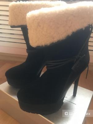 Ботинки Koolaburra 37 размер