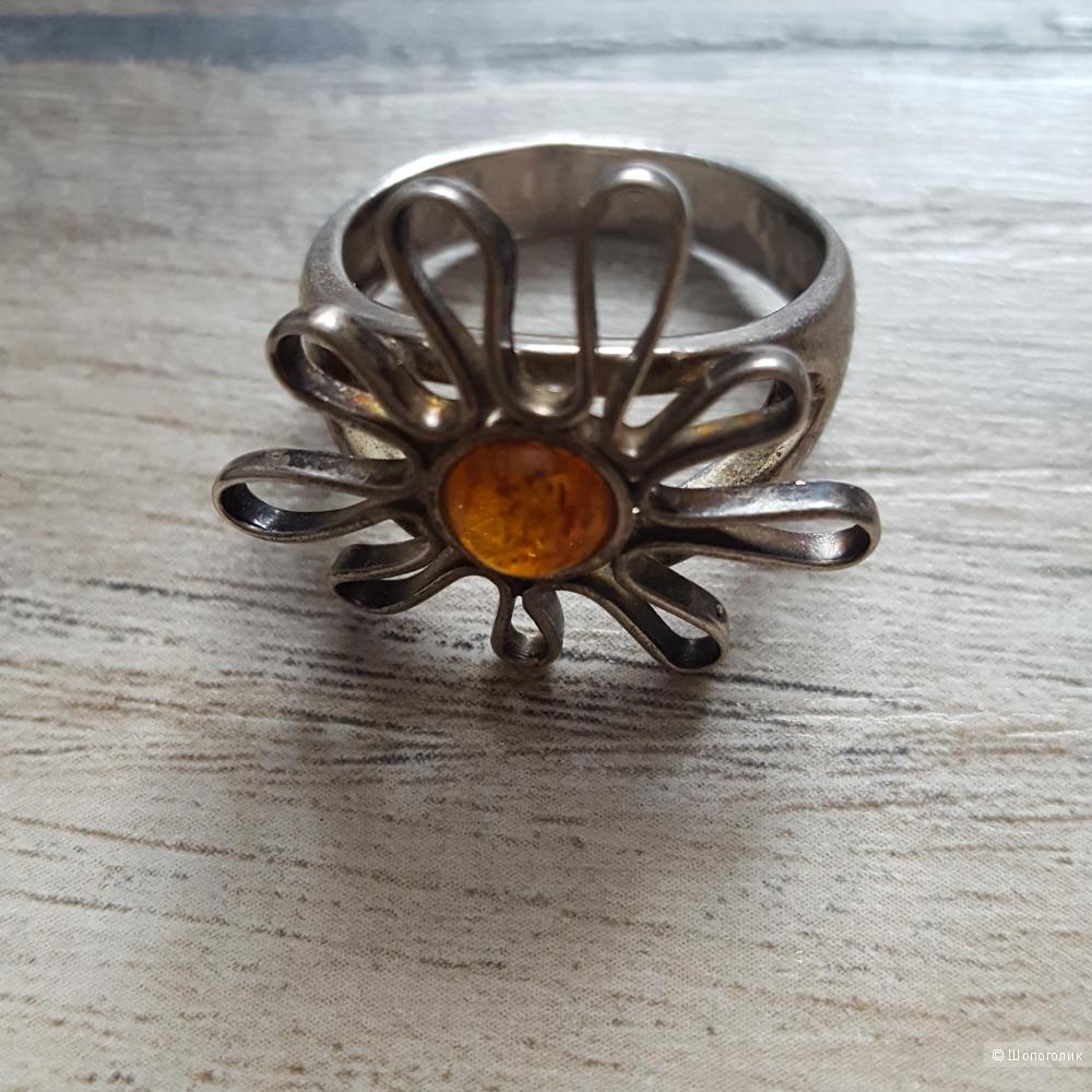 Серебряное кольцо  17 размер
