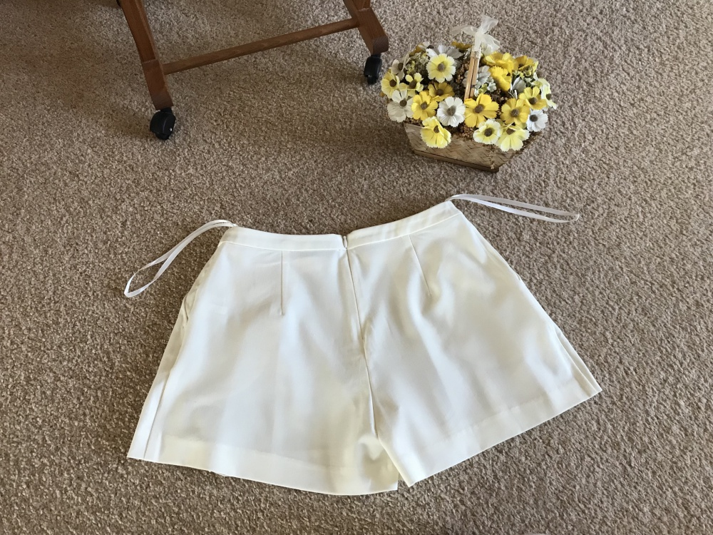 Летние шорты-юбочка Savage 40 размера