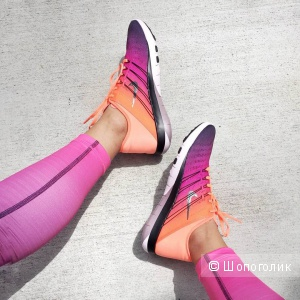 Кроссовки Nike размер 8 USA