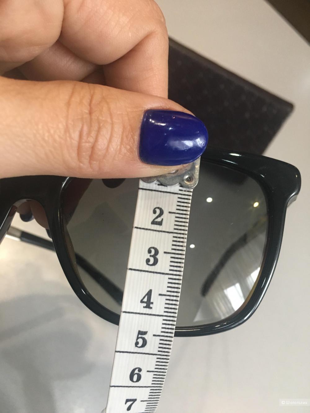 Солнцезащитные очки Gucci, унисекс