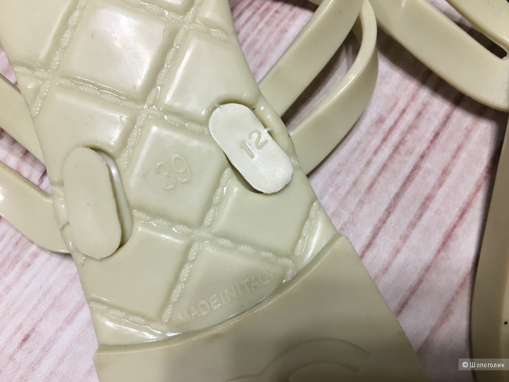 Пляжные шлепанцы Chanel, размер 39. По стельке 24,5, на рос. 37