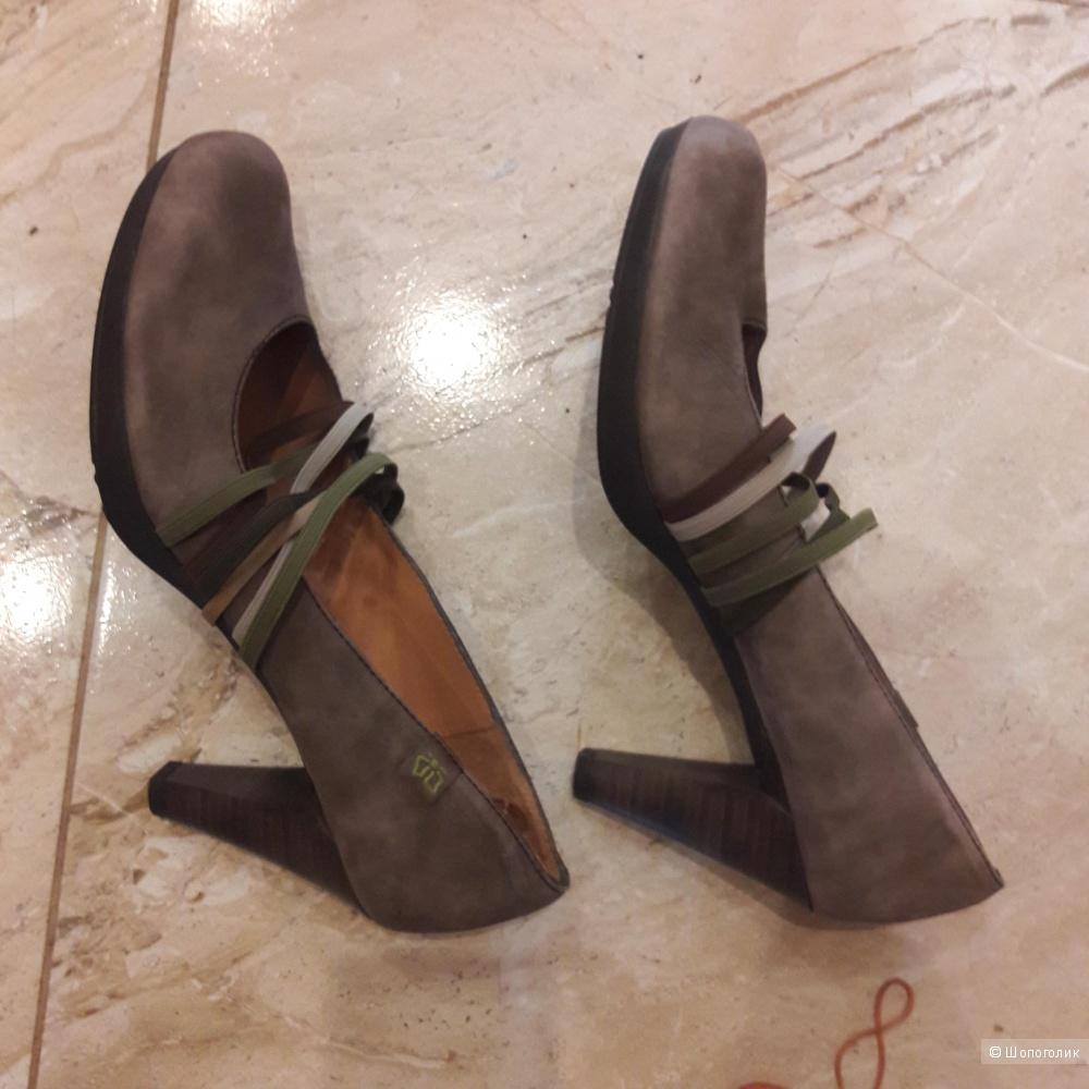 Кожаные туфли Hispanitas 39.5 размера