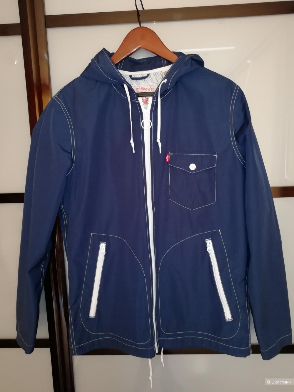 Levis куртка размер M