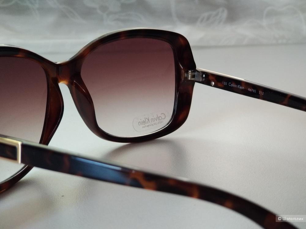 Calvin Klein солнцезащитные очки