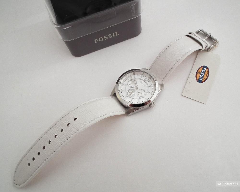 Женские  часы Fossil