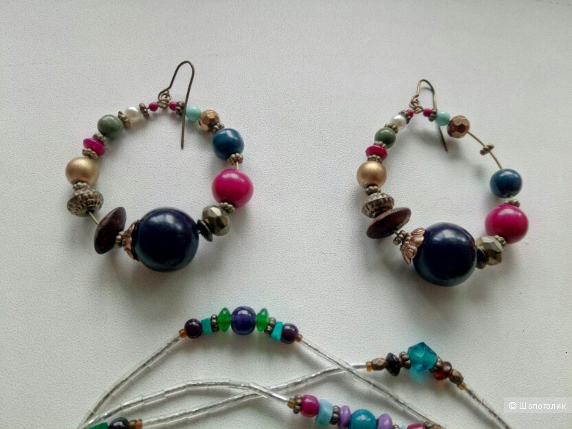 Комплект бижутерии (серьги, бусы и браслеты)