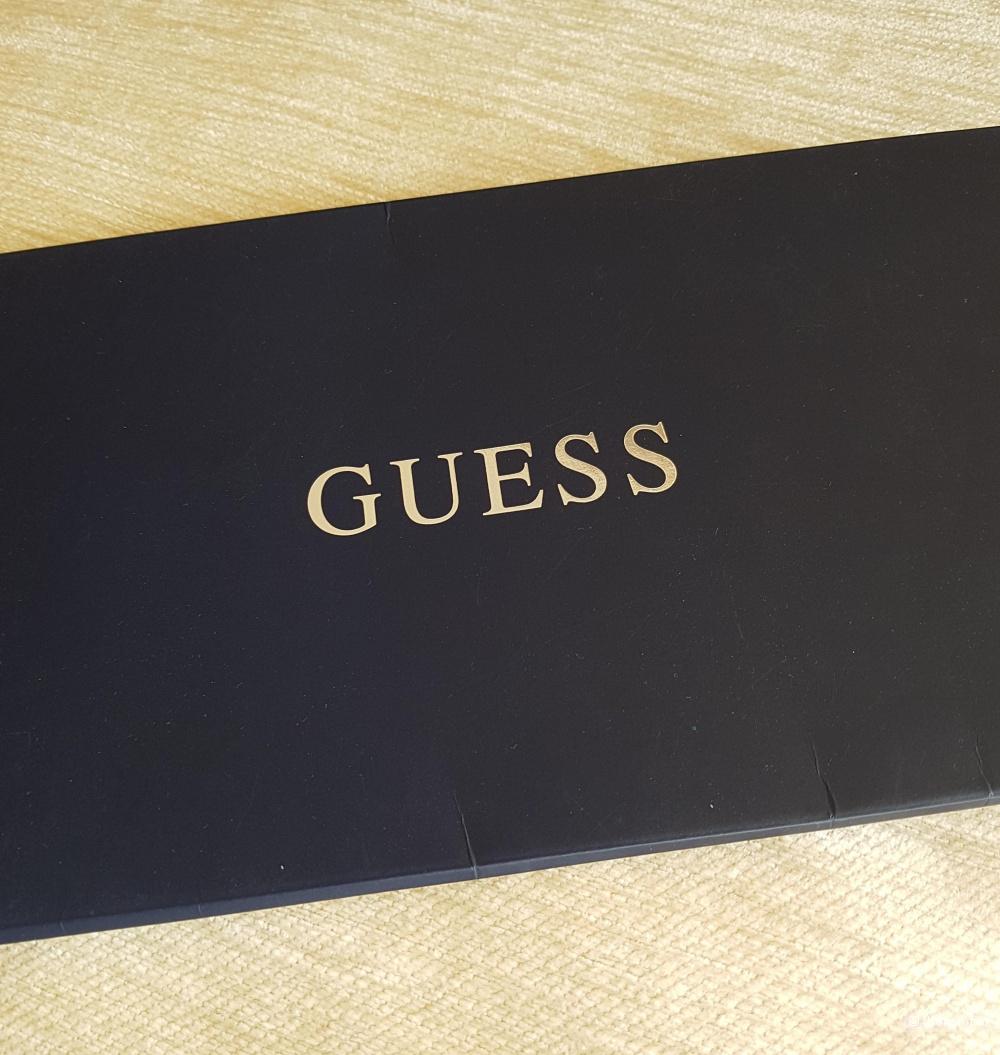Платок Guess